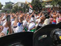Massa aksi di depan Bawaslu