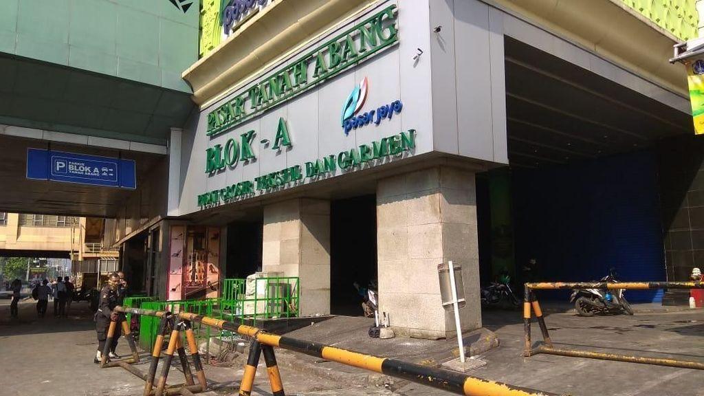 Pasar Tanah Abang Baru Buka Minggu, Pedagang: Duit Kita Nggak Mutar