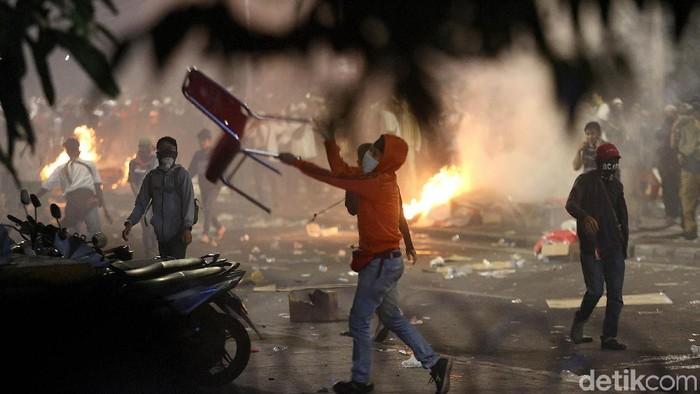 Kerusuhan 22 Mei seharusnya disikapi secara dewasa dengan tindakan responsif dan proaktif. Foto: Agung Pambudhy
