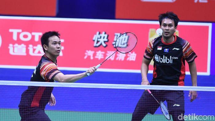 Mohammad Ahsan/Hendra Setiawan akan turun bertanding di Indonesia Open 2019 pada hari Rabu (17/7) ini (Foto: Wahyu Putro A/Antara Foto)