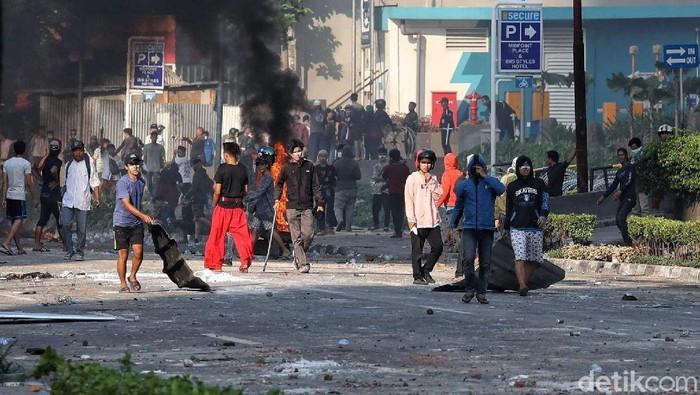 Masyarakat berharap kedamaian terjadi. Foto: Pradita Utama