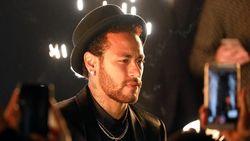 Barcelona Tak Kunjung Datang, Neymar Tawarkan Dirinya Sendiri ke Juventus?