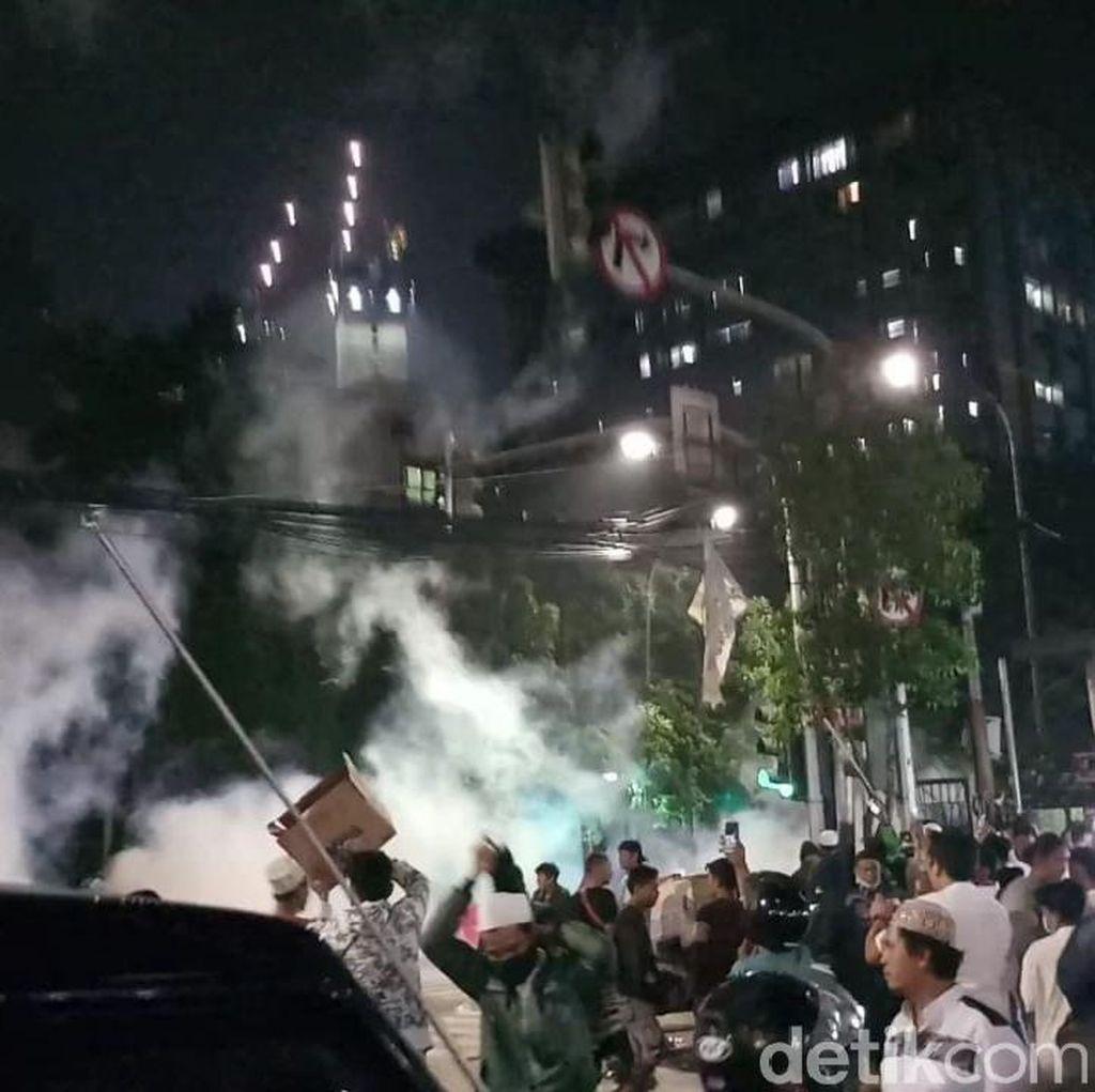 Polisi Kembali Amankan Sejumlah Pendemo Usai Rusuh Dekat Bawaslu