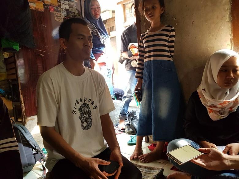 Keluarga Sebut Adam Korban Tewas Demo Rusuh Ditembak Peluru Tajam