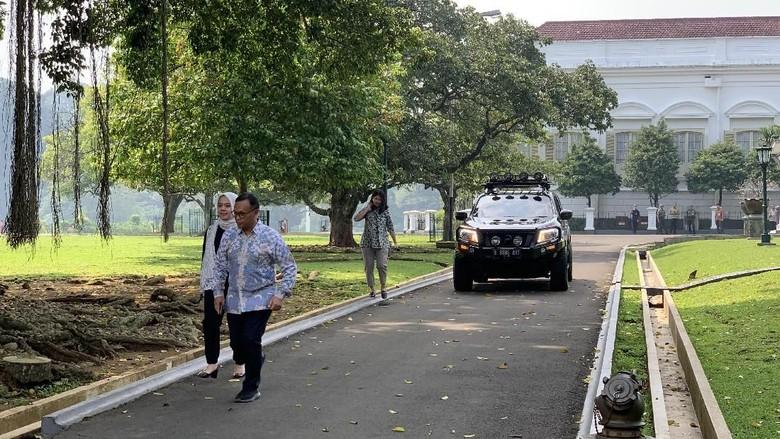 Ke Istana Temui Jokowi, AHY Bawa Mobil Hitam Kembar
