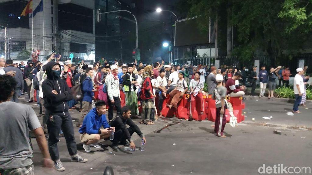 Pascaricuh di Bawaslu, Massa Berkumpul di Jalan Wahid Hasyim