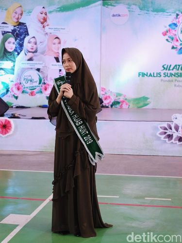 Finalis Sunsilk Hijab Hunt 2019 Sambangi Pesantren Buntet Cirebon.
