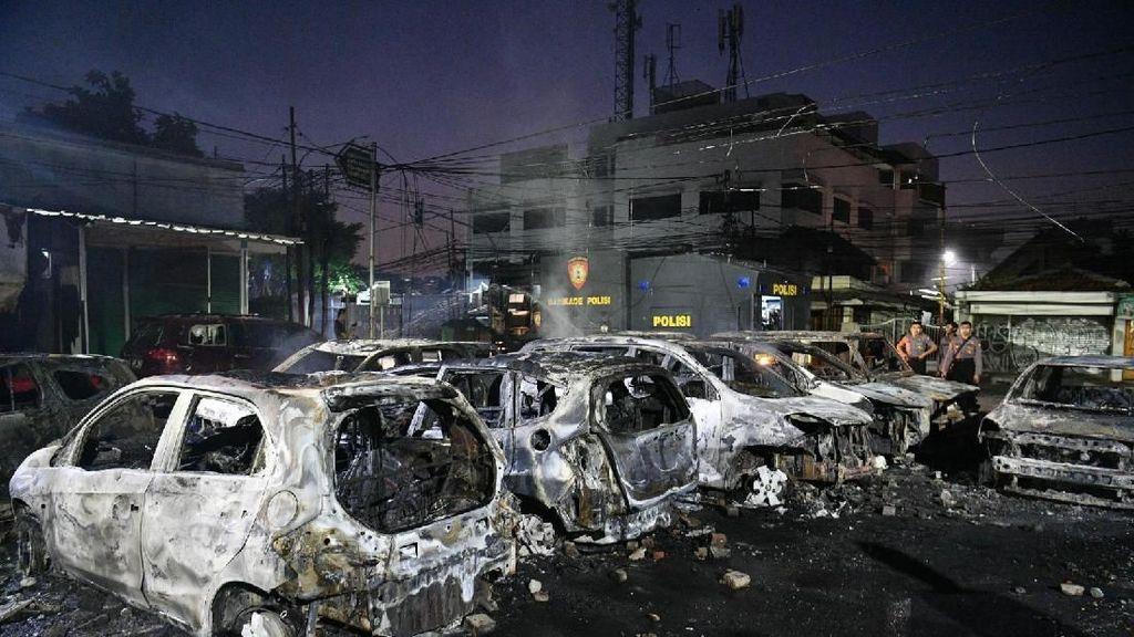Mobil Dibakar Seperti di Petamburan, Diganti Asuransi Nggak Ya?