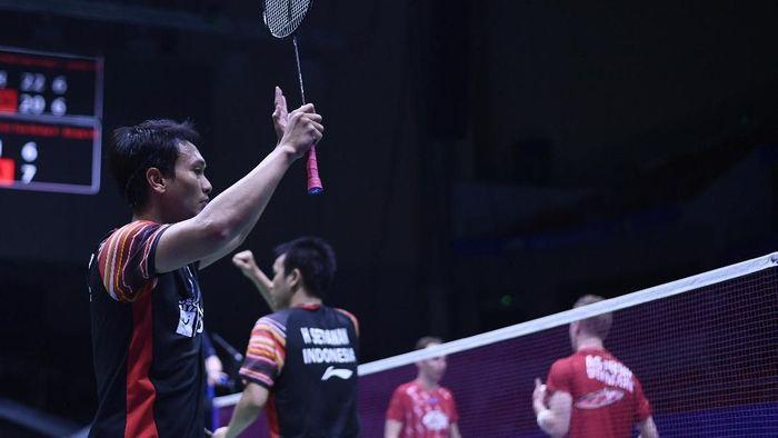 Hendra Setiawan/Mohammad Ahsan menyumbangkan poin untuk Indonesia. (Wahyu Putro A/Antara Foto)
