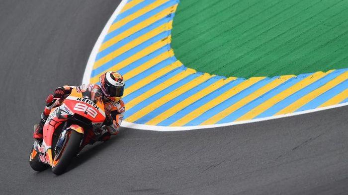 Jorge Lorenzo kesulitan beradaptasi dengan motor Honda. (Foto: Jean-Francois Monier / AFP)