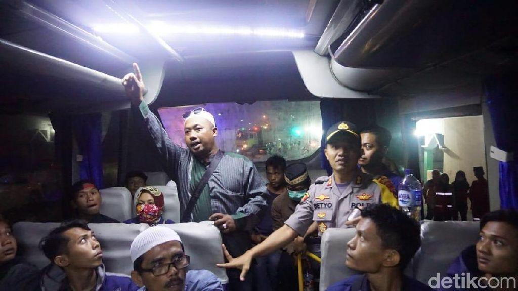 10 Penumpang Bus Diamankan di Mojokerto, Diduga akan Gabung Aksi 22 Mei