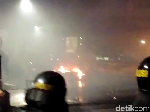 Ricuh Dekat Bawaslu, Polisi Terus Pukul Mundur Massa di Tanah Abang