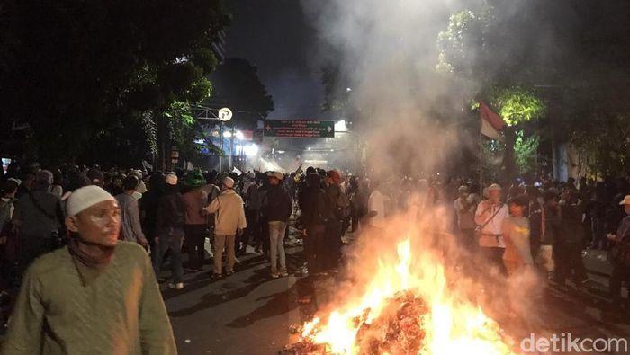 Foto: demo rusuh di depan bawaslu (Zaki/detikcom)