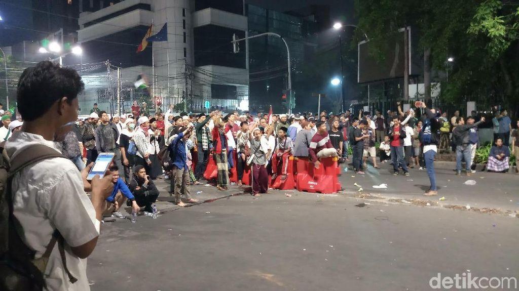 Polisi Keluarkan Peringatan, Minta Massa Dekat Bawaslu Bubarkan Diri