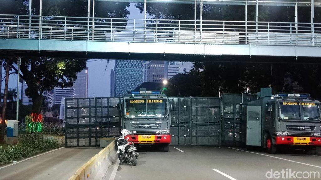 Cegah Massa ke Istana, Jalan Merdeka Barat Ditutup Pagar Besi