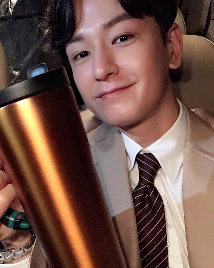 Aktor tampan ini berperan sebagai seorang jaksa bernama Fukuda di serial historical terbaru MBC. Aktingnya cukup mencuri perhatian. Foto: Instagram juhwan_lim