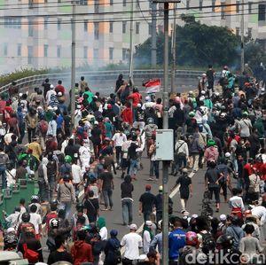Aksi 22 Mei Ricuh Bikin Orang Susah Cari Rezeki
