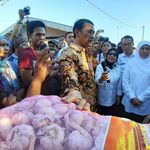 Cek Harga Pangan, Mentan dan Gubernur Jatim Sidak Pasar