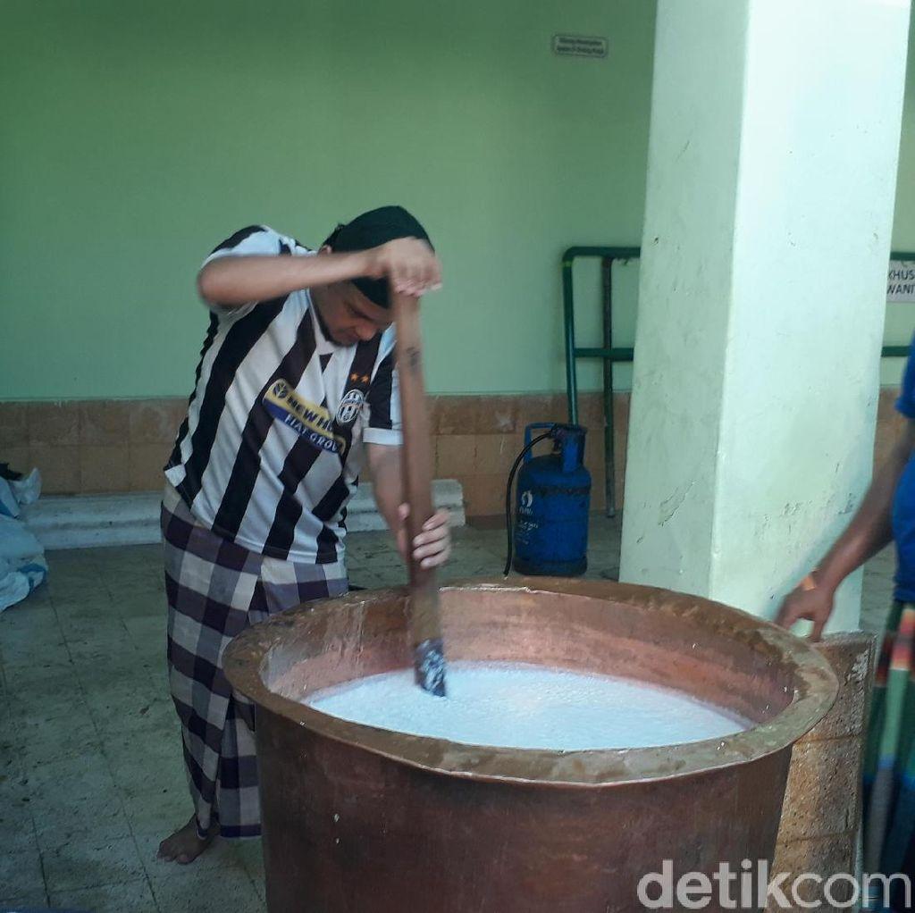 Bubur Mudhor, Penganan Khas yang Hanya Ada di Tuban Selama Ramadhan