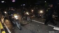 Polisi Berhasil Pukul Mundur Massa di Bawaslu