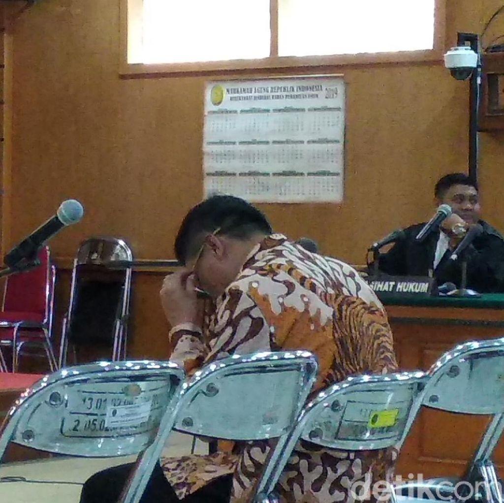 Hakim Cabut Hak Politik Bupati Cirebon Sunjaya Purwadisastra