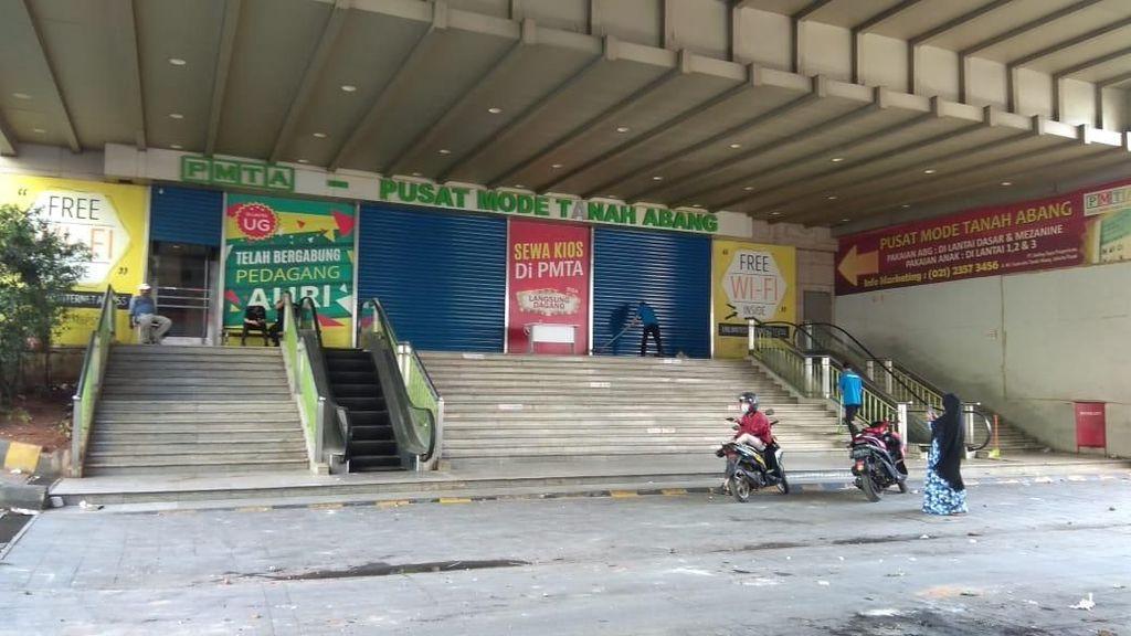 Pasca Ricuh Demo Bawaslu, Begini Kondisi Pasar Tanah Abang