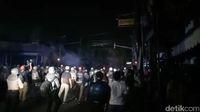 Rentetan Serangan Petasan di Depan Asrama Brimob