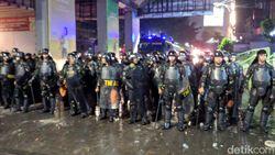 TNI Ikut Terjun Kendalikan Massa yang Ricuh di Tanah Abang