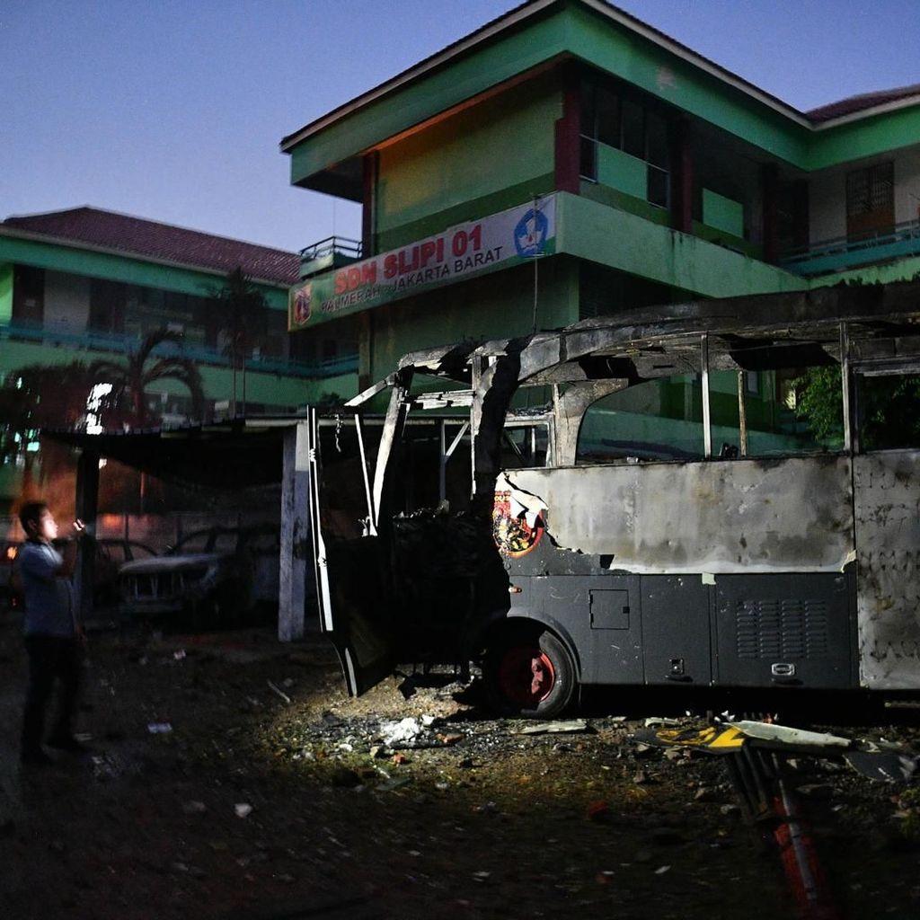 Kapolri: Kelompok Perusuh Semalam Beda dengan Massa Demo Bawaslu