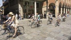 Agar Warganya Naik Sepeda, Kota Ini Beri Tiket Bioskop Gratis