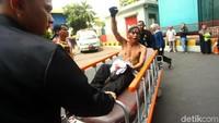Mereka dibawa ke rumah sakit karena menderita luka akibat kerusuhan pagi tadi.