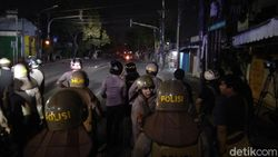 Asrama Brimob Kembali Tegang, Ada Suara Petasan dan Tembakan Gas Air Mata