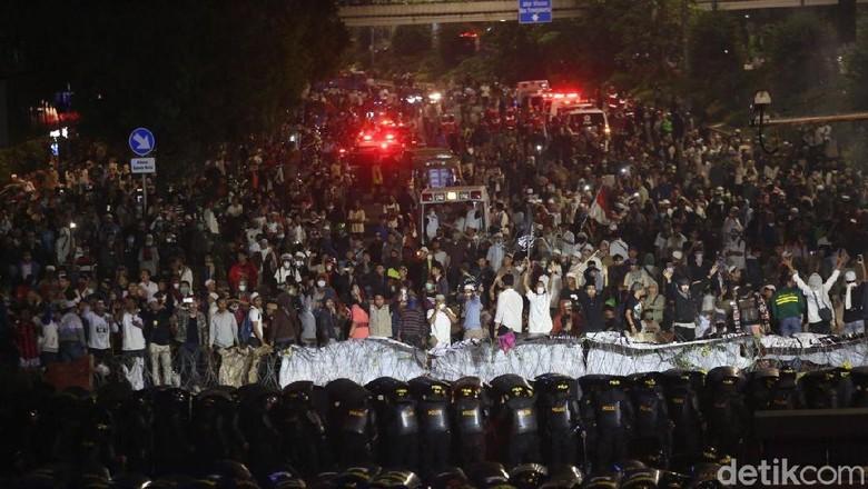 Belum Siap Saat Diserang, 9 Aparat Terluka di Ricuh 22 Mei Depan Bawaslu