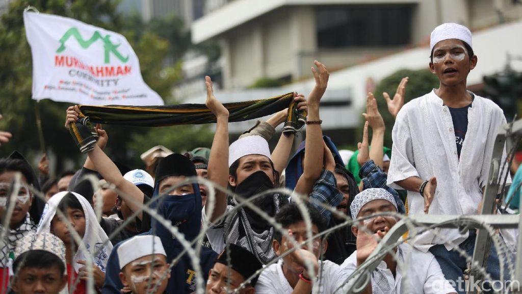 Imbas Demo, MRT Hanya Beroperasi Hingga Stasiun Dukuh Atas