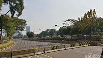 Dipasang Kawat Berduri, Lalin Gatot Subroto Arah DPR Masih Ditutup