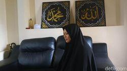 Istri dari 5 Orang yang Ditangkap di Garut Bantah Suaminya Terduga Teroris