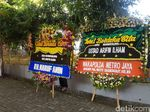Maruf Amin hingga Sandiaga Kirim Bunga Duka Cita untuk Ustaz Arifin Ilham