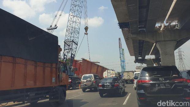 Gara-gara Ini, Jakarta-Cikarang Ditempuh Setengah Hari