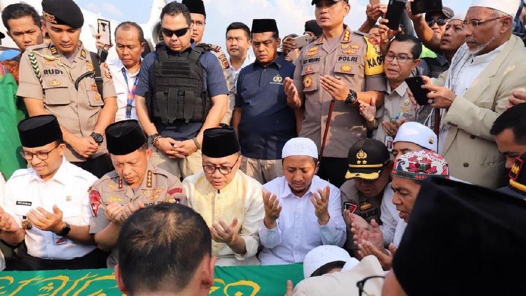 Usai Disalatkan, Ustaz Arifin Ilham Dilepas dengan Takbir