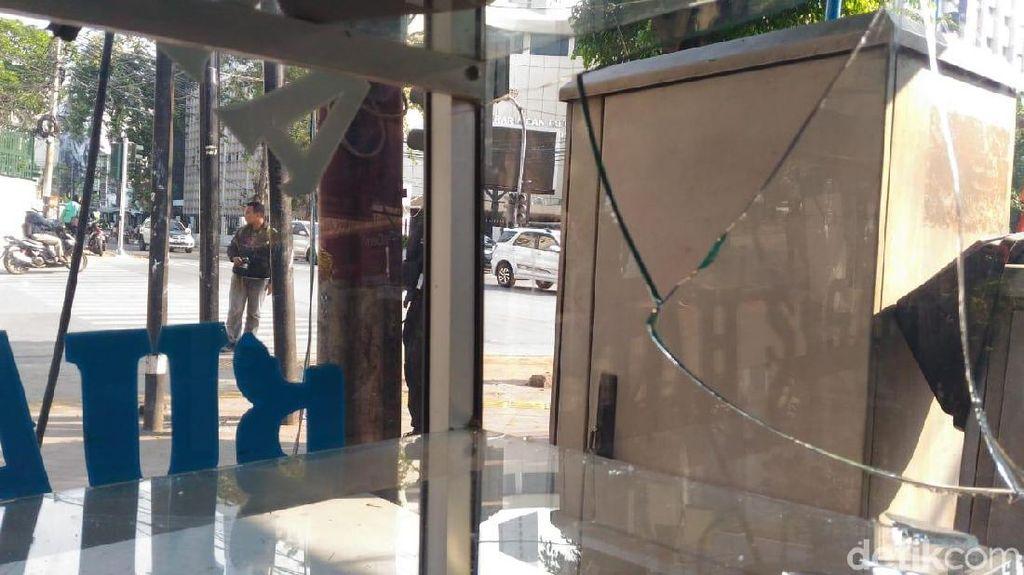 Tak Ada yang Tersisa dari Warung PKL Setelah Dijarah Perusuh 22 Mei
