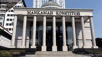 RUU MK, Hakim Konstitusi Minimal Usia 60 Tahun