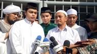 Putra Arifin Ilham Cium Tangan Abdul Somad Lalu Dapat Bonus