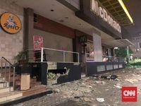 McDonald Sarinah sempat rusak akibat lemparan batu saat kerusuhan 21-22 Mei lalu