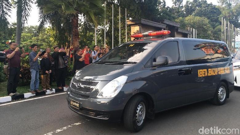 Jenazah Arifin Ilham Tiba di Halim, Langsung Menuju Az-Zikra Sentul