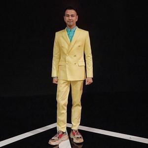 Intip Koleksi Sneakers Ratusan Juta Raffi Ahmad yang Bikin Iri Sobat Miskin