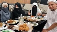 Tok! 10 Orang Jadi Ahli Waris Ustaz Arifin Ilham, Istri Ketiga Tetap Tak Ada
