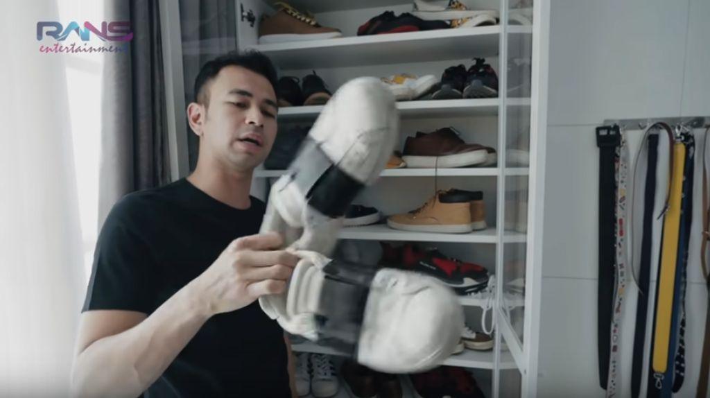 Melihat Koleksi Sneakers Ratusan Juta Milik Raffi Ahmad
