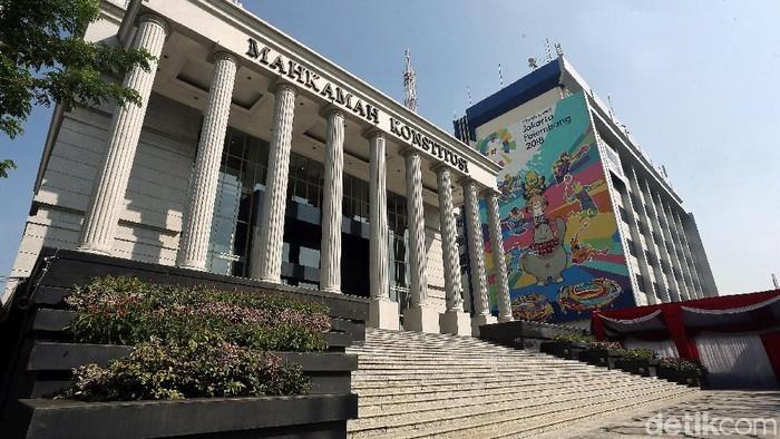 Kegiatan di Mahkamah Konstitusi (MK) nampak berjalan normal seperti biasa. Rencananya, BPN Prabowo-Sandiaga akan menyampaikan gugatan Pemilu hari ini.