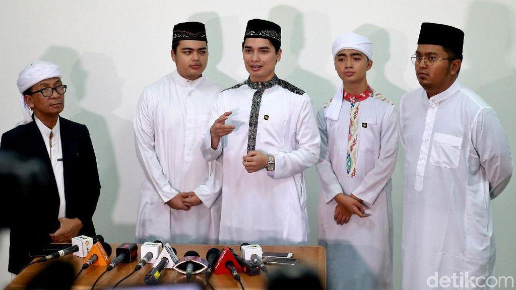Dikawal Polisi, Anak Sudah Tak Sabar Bertemu Mendiang Ustaz Arifin Ilham