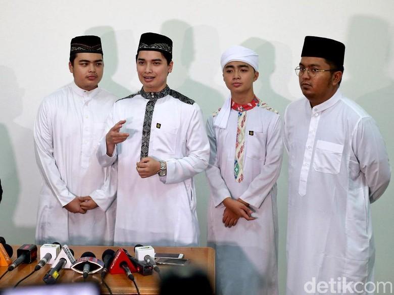 Foto: Anak Ustaz Arifin Ilham (Ari Saputra)